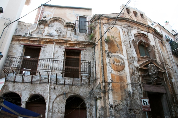 bombed out baroque in palermo